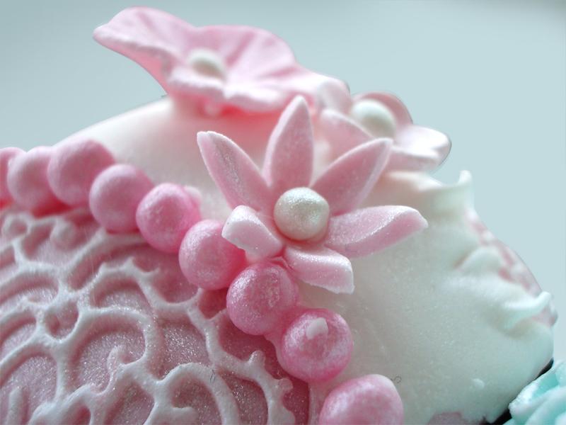 6d33769708c Vintage blonde cupcakes | SimplyCupNCakes